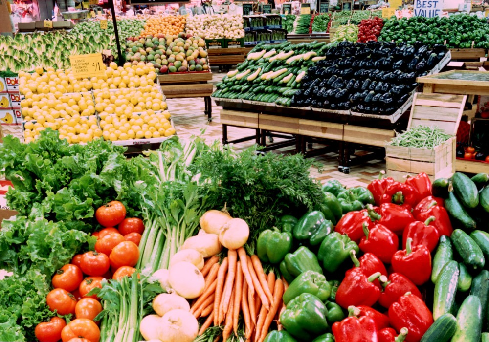 Fruits and Veggies to Eat and to Avoid